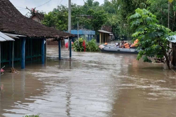 gambar teks berita banjir