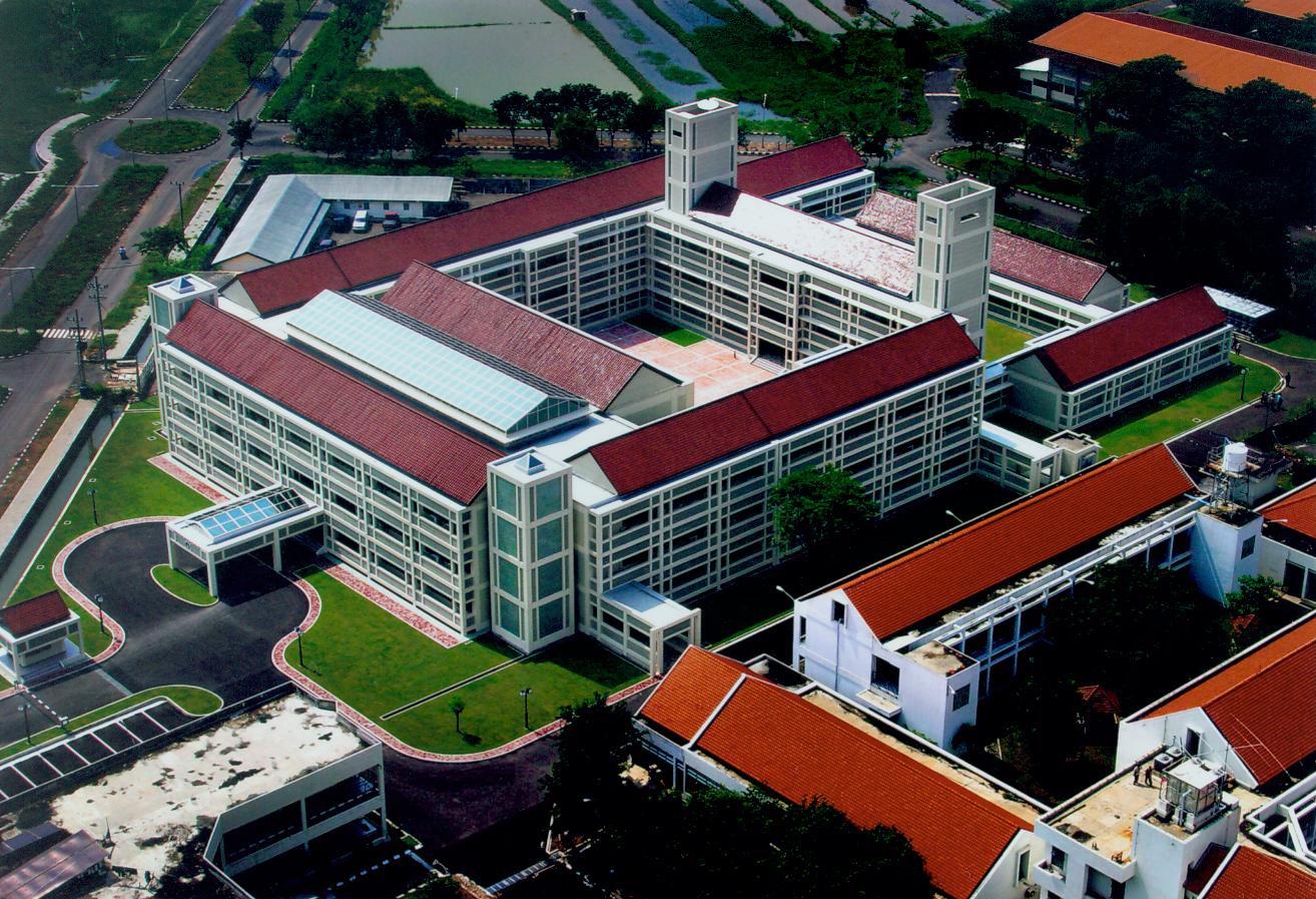 alamat kampus PENS